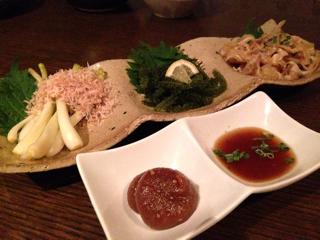 前菜3種(島らっきょ、海ぶどう、ミミガー)