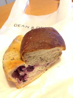 アールグレイとブルーベリーのパン