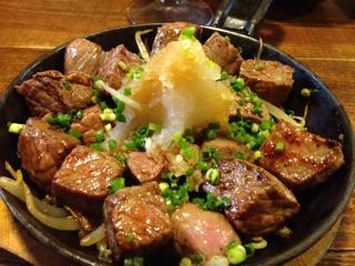 赤みの牛サイコロステーキ
