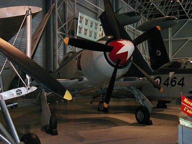 赤白スピナが印象的Canadian Aviation Museumのカナダ海軍Seafury downsize