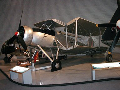 翼をたたんだCanadian Aviation MuseumのSwordfish 側面downsize