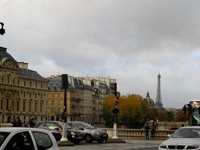 両替橋(pont au Change)からエッフェル塔を望むdownsize
