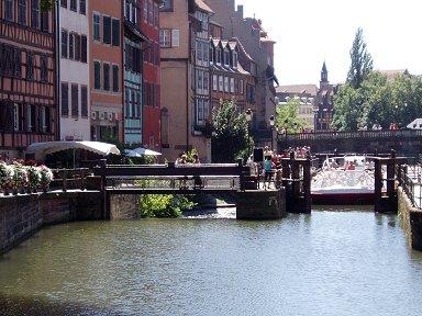 ストラスブールは運河と堰の街ですdownsize