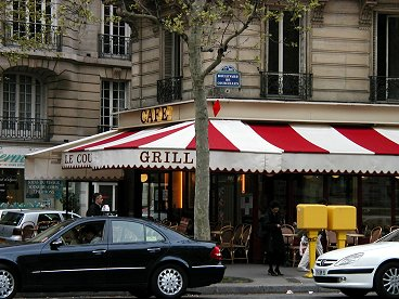 パリのメトロ3番線Courcelles前のカフェdownsize再掲載