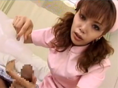 関西弁の痴女ナースが患者の激臭チンポを舐めて洗浄して強制挿入潮吹きファック!