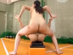 182cm長身痴女の全裸筋トレSEX!小男コーチをフェラ抜きして挿入スクワット&ちんぐり騎乗位!