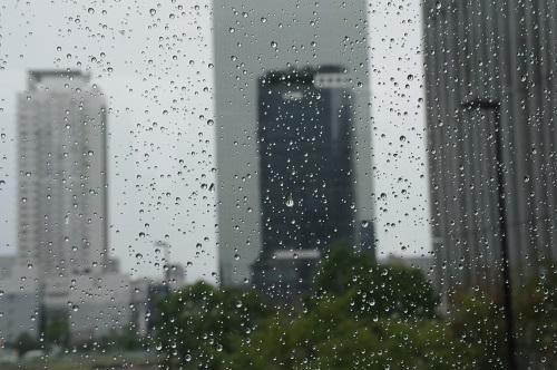 8651雨