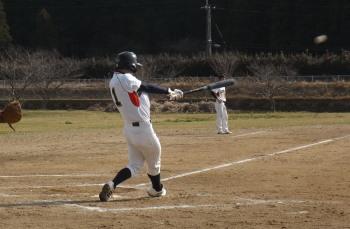 DSCF48615回裏2死一二塁から右越え本塁打を放った松下拓海