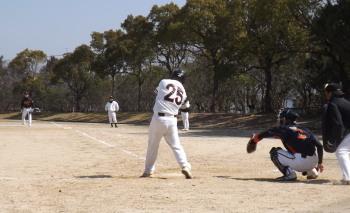 DSCF5052ナイツ6回表2死一、三塁から4番中島の内野安打で1点返す