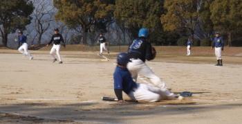 DSCF49601回表1死二塁から4番宮本の内野安打間に二走松永が生還
