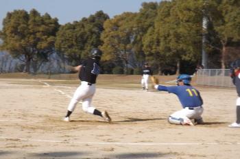DSCF49784回裏1死二塁から6番山口亮か゛左前打を放ち1点返す