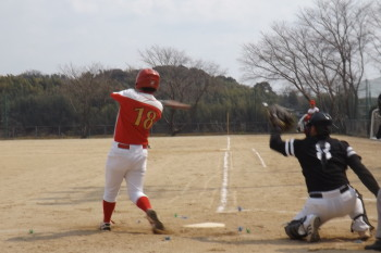 DSCF5113帯パイ1回裏2死二塁から4番が痛烈な左前打を放ち1点先制