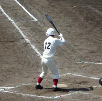P4230030本塁打を放った文徳の5番