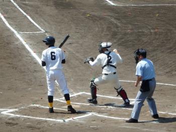 P42300435番の時三走飛び出し捕から三塁へ