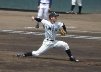 P51006041回途中からロングリリーフした九学 藤井投手