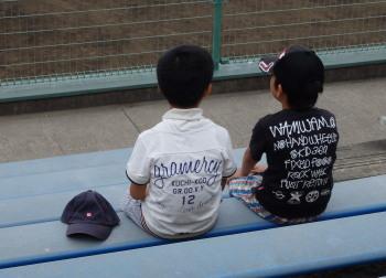 P6140969どこかの少年野球チーム2加入している雰囲気の2人