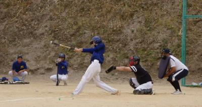 P61511261回裏トップ2死二塁から4番宮田が左越え2点先制本塁打を放つ