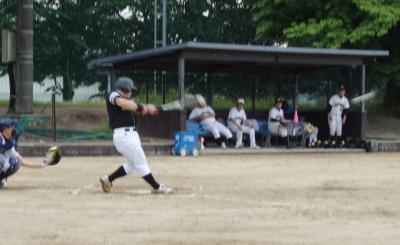 P70613311回裏Big連チャンず2死一塁から3番小田が右翼線を抜ける逆転2点本塁打を放つ
