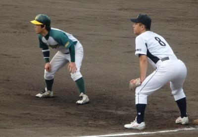 P7121410二塁をうかがう和泉