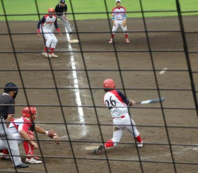 P8282172タイブレーク7回表寺原自動車1死満塁から1番が左中間2点三塁打を放ちこの回4点目