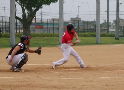 P82922213回表 1死三塁から3番が中前に先制打を放つ