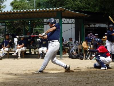P91426265回表雀暮林無死満塁から6番が三遊間を抜ける強烈な左前2点同点打を放つ
