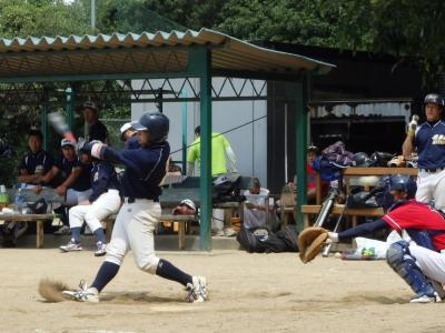 P91426606回裏2死二塁から6番が右超え2点本塁打を放つ写真は最終打席