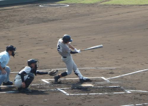 P91628051回表芦北2死二塁から4番勝田が左前先制打を放つ