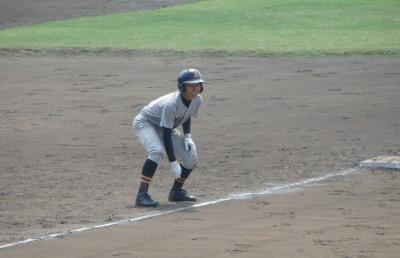 P91629709回表2死から右三塁打を放った