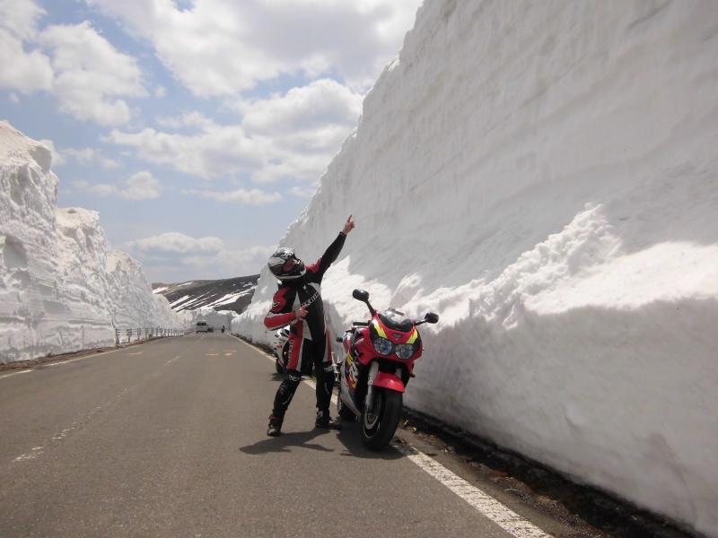 山田峠 雪の回廊1