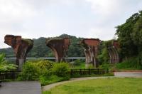 公園側から龍騰斷橋140825