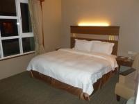 礁溪華閣溫泉飯店のベッド140615