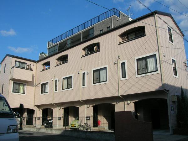 鹿児島市荒田1丁目の賃貸アパート、マノワール荒田の外観