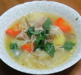 ホウレンソウ入りスープ