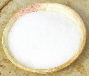尿素白い粒状
