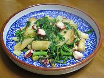 ルッコラとナガイモとタコ料理