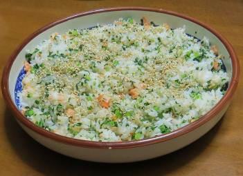 カブ茎と鮭の混ぜご飯