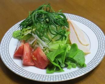 朝の生野菜サラダ