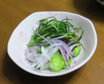 キューリ入り生野菜サラダ