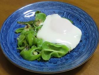 ジャンボシシトウと卵焼き