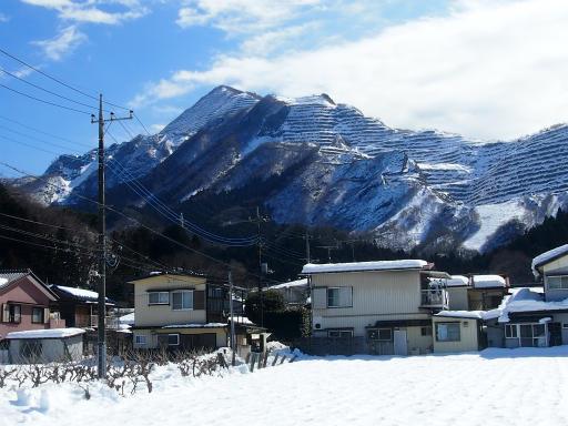 20140222・雪秩父空06・巡礼の間の武甲山