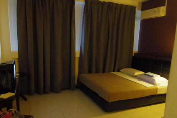 サンダカン 安宿 ホテル リベナ イン Ribena Inn