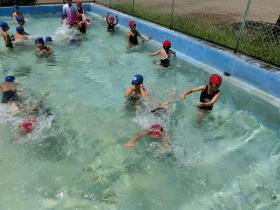 着衣泳14-9