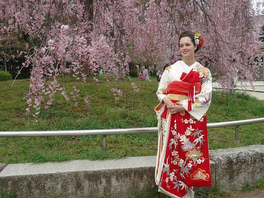 kimono98a6da850fa3a27d8736d186e09ca45b.jpg