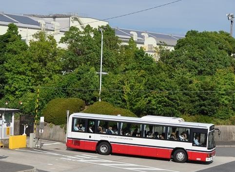 期間従業員 バス