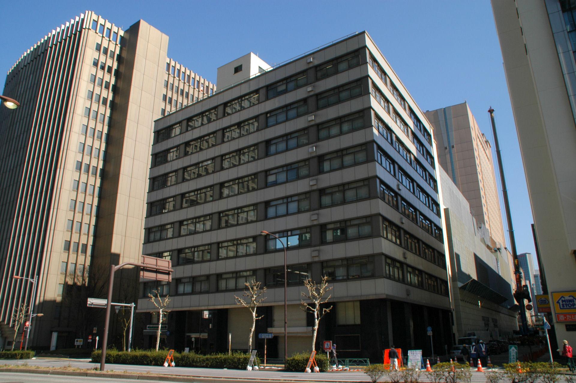 shinbashi14020102e.jpg