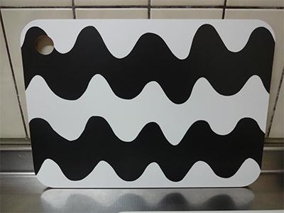 マリメッコまな板の画像