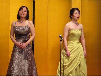 ラクメの二重唱を歌う阿部妙子と林志乃