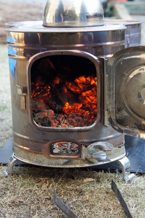 薪ストーブで暖