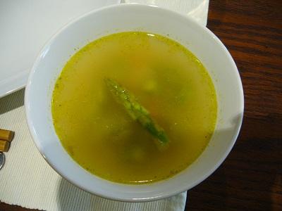 アスパラのレモン風味スープ